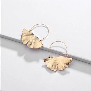 HP!! Anthro gold ginkgo hoop earrings